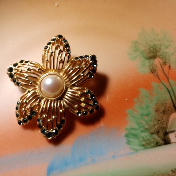 51a9eeef2 Monet Jewelry | Vintage 1960s Flower Brooch | Poshmark